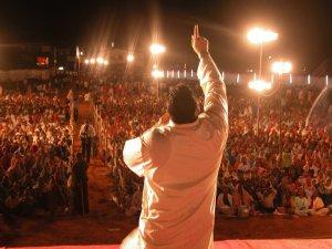 preaching_crowd_ii